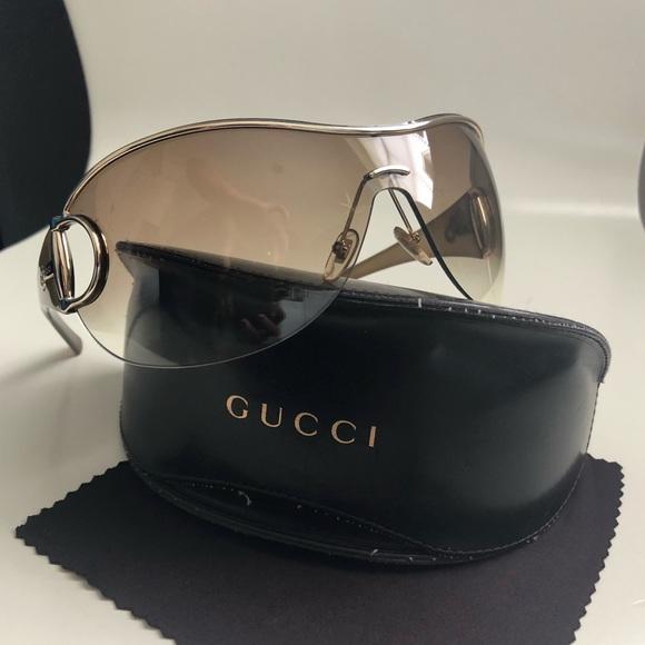e0fa99a9d73e1 Gucci Accessories - Gucci Gold Rim Bumblee Bee Aviator Sunglasses